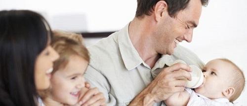 ayudas-por-maternidad-2014-2015-Permiso-de-lactancia-de-la-madre-padre-progenitores