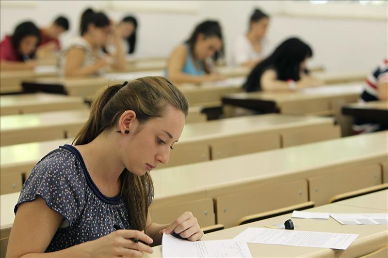 solicitar-becas-y-ayudas-para-el-curso-2015-2016-requisitos-y-cuantias
