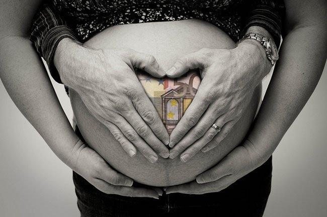 ayudas-maternidad-2015-cheque-bebe-podria-volver-en-2016